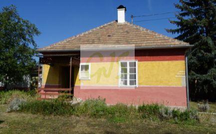 Rodinný dom s krásnym veľkým pozemkom, vhodným na pestovanie (bonita pôdy A+)