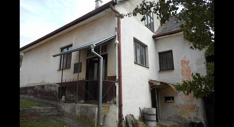 Trenčianske Mitice, 3-izb. rodinný dom, pozemok 838 m2