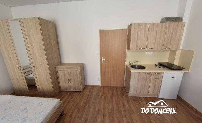 Prenájom, Jednoizbový byt, ulica Dolná Strieborná, Centrum, Banská Bystrica