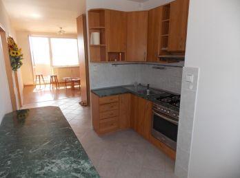 EXLUZÍVNE - veľký 3 i byt s krásnym výhľadom na Krosnianskej ul.