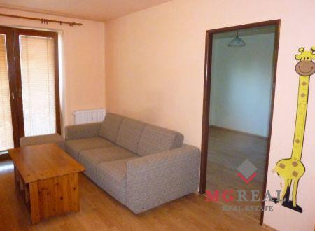 2 izbový byt Topoľčany Tovarníky - čiastočne zariadený