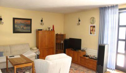 TOPOĽČANY - 5 izbový luxusny dom, pozemok 568 m2,