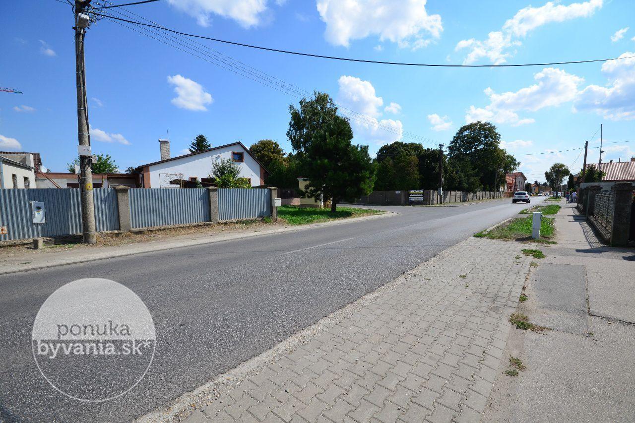 ponukabyvania.sk_Krajinská_pre-rodinné-domy_KOVÁČ