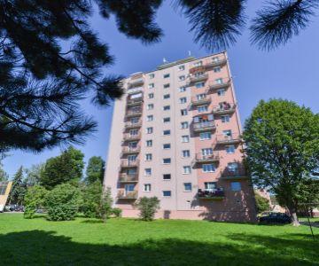 !!! REZERVOVANÉ !!! 2 izbový zariadený byt na predaj, centrum mesta Liptovský Mikuláš