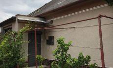 PREDAJ, 4-izobový rodinný dom, Veľké Dvorníky