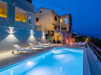 Predaj vila Chorvátsko, ostrov Brač, 3 apartmány, bazén,pri mori!