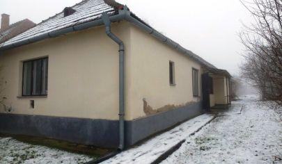 HORNÉ LEFANTOVCE - 2 izb rodinny dom, pozemok 1026m2, okr. NITRA