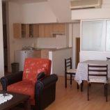 Klimatizovaný a slnečný 2-izbový byt vo vyhľadávanej lokalite na Leškovej ulici