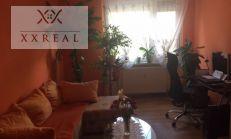 PREDAJ, rekonštruovaný 4 izbový byt za výhodnú cenu na Radničnom námestí