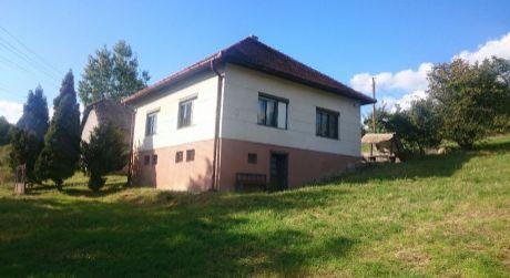 Predaj rodinného domu na Hriňovských lazoch s veľkým pozemkom