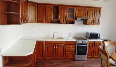 KUZMICE 6 izbový rodinný dom, kompletná rekonštrukcia, pozemok 517 m2, okr. Topoľčany