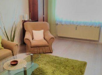 Ponúkam Vám na predaj veľký 3 izbový byt na Juhoslovanskej ulici