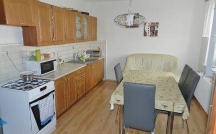 Dvojizbový tehlový byt s balkónom, Žiar nad Hronom, ul. Hutníkov
