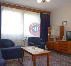 Starbrokers- Predaj priestranného 1i bytu v Lamači- Bakošova ul., pôvodný stav, ideálne 1 poschodie,výťah, nepriechodné izby.
