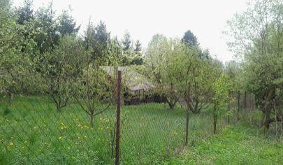 TURČIANSKE KĽAČANY  záhrada výmera 1000m2 s chatkou