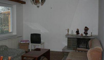 CHYNORANY 4 izb dom, pozemok 500 m2, okr.Partizánske