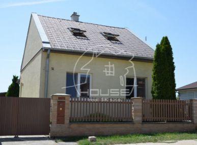 PREDAJ: 3 izbový rodinný dom s krásnym pozemkom svýmerou 2254m2,Bernolákovo