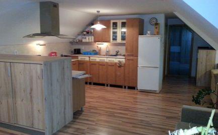 Na prenájom 2,5 izbový podkrovný byt v Devíne s parkovacím miestom