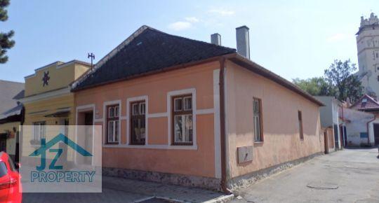 REZERVOVANÝ rodinný dom v centre Kežmarku