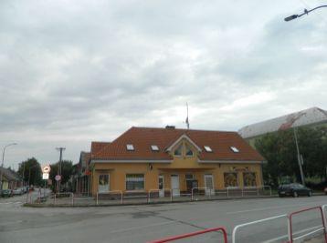 Prenajmene obchodný priestor v Seredi