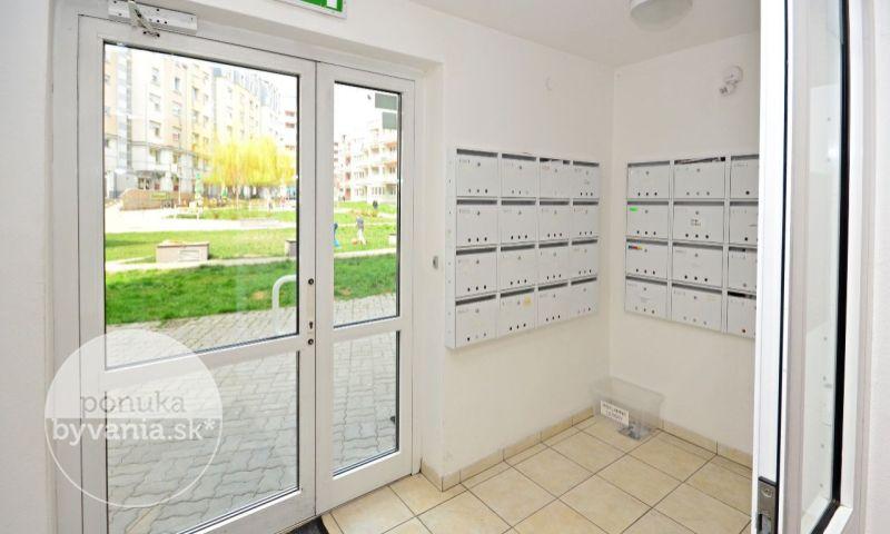ponukabyvania.sk_Kresánkova_2-izbový-byt_KOVÁČ
