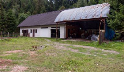Pozemok so stavbou (1254 m2) Novoveská Huta