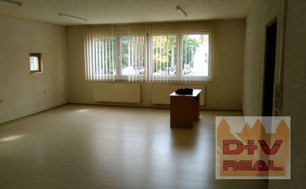 D+V real ponúka na prenájom: nebytový priestor v Ružovej doline vhodný ako kancelária, prevádzka, show room, obchod, školiaca miestnosť a pod.