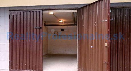 Na prenájom samostatná murovaná garáž pre vaše auto v Dúbravke.