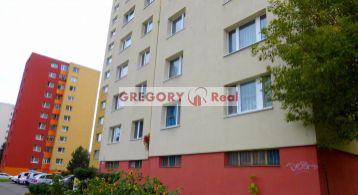 PREDAJ: 3 izbový byt  (72,50 m2) s lodžiou (12p./12) a vlastnou kotolňou, Furdekova ul., Petržalka - Bratislava V.