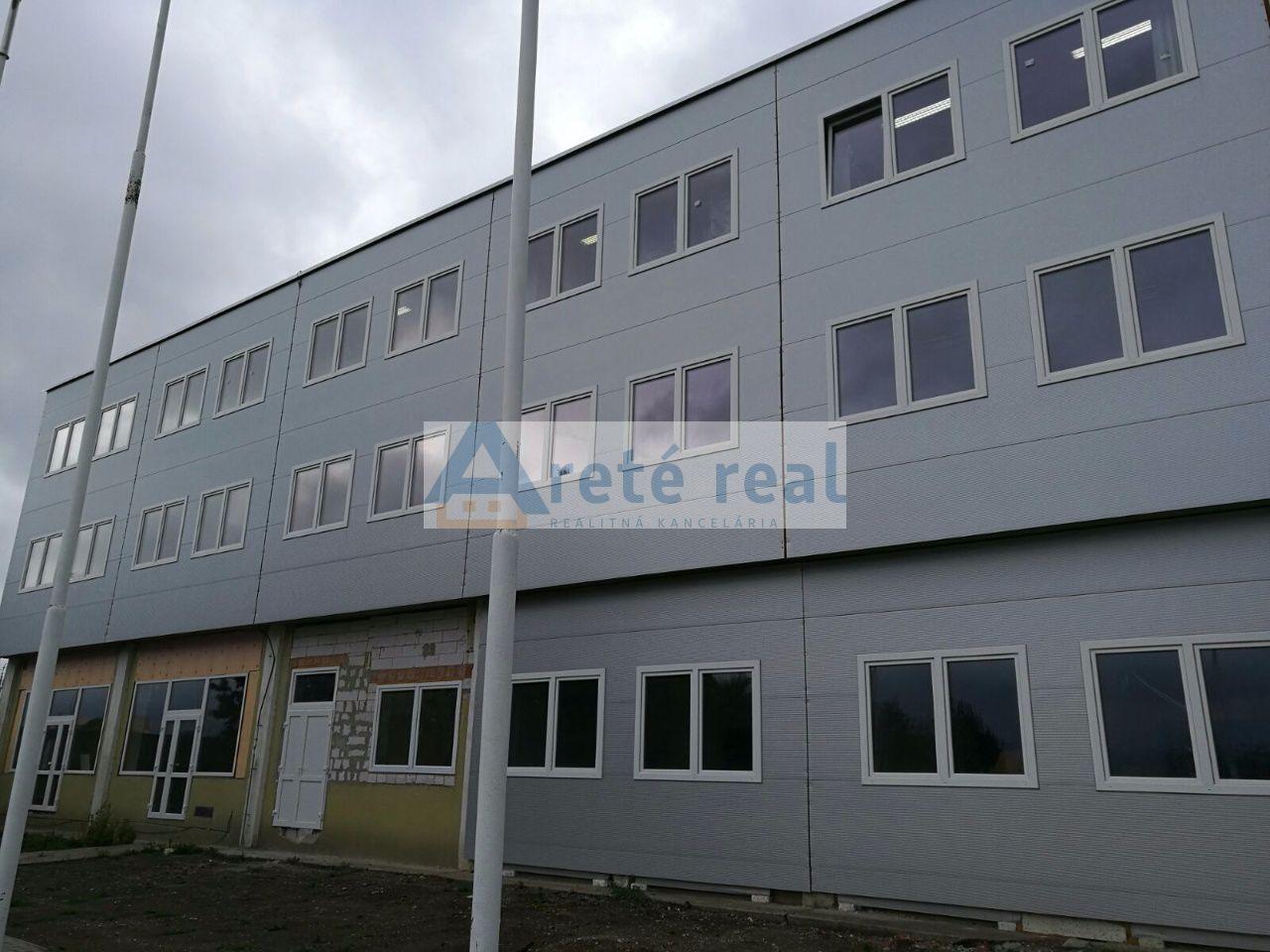 Areté real, Prenájom priestorov v priemyselnej zóne s výbornou dostupnosťou a vlastným parkovaním v Pezinku