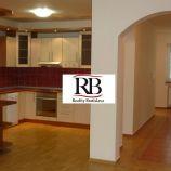 Priestranný 5i rodinný dom so saunou v peknej lokalite Starých Gruntov - Karlova Ves