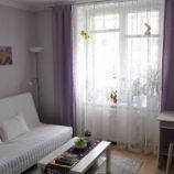 Slnečný prízemný 1-izbový byt na Doležalovej v Ružinove