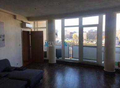 Predaj veľkého 4 izbového bytu-117m2 so sam.kuchyňou a atypickou obývačkou Škultetyho ul.