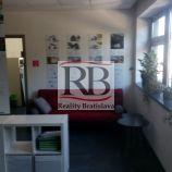 Kancelárske a skladové priestory na Elektrárenskej ulici v Bratislave III