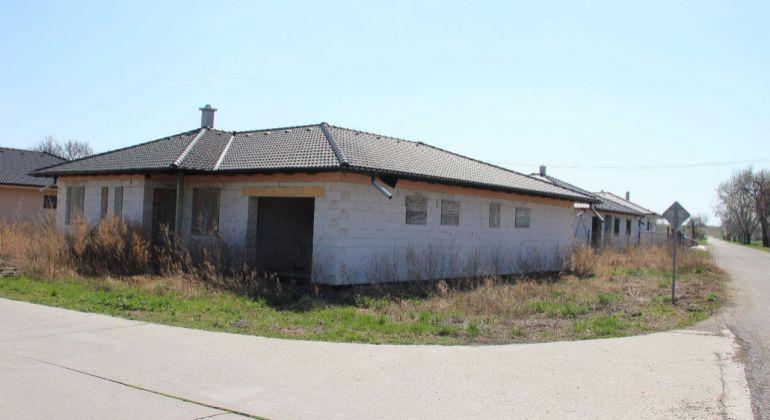 TOP ponuka - Rodinný dom v Báči pri hrádzi