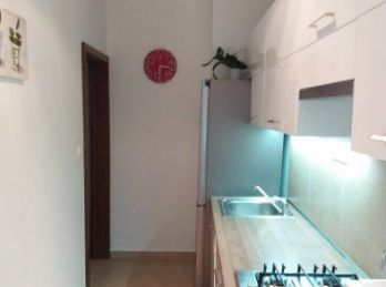 Predáme 3 izbový byt s loggiou - Staré mesto