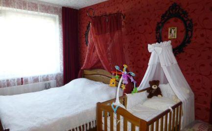Veľmi pekný, zrekonštruovaný 3i byt s loggiou vo vyhľadávanej lokalite na začiatku Petržalky.