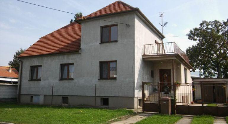 Znížená cena- Rodinný dom v  Skalici.