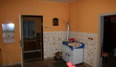 DOLNÁ PORUBA, 5 izbový rodinný dom, pozemok 587m2
