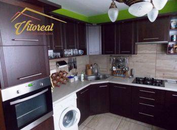 EXLUZÍVNE vám ponúkame na predaj pekný 3 i byt po rekonštrukcii v Sečovciach