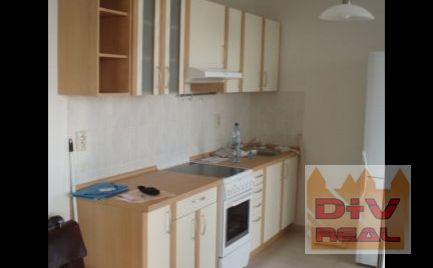 Prenájom: 1 izbový byt, priestranná garsónka, Klincová ulica, Mlynské nivy, balkón, novostavba, zariadený