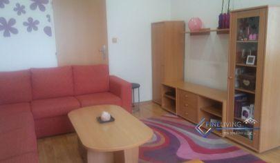 PREDANE! Exkluzívne na predaj 3 - izb. byt v širšom centre Šurian