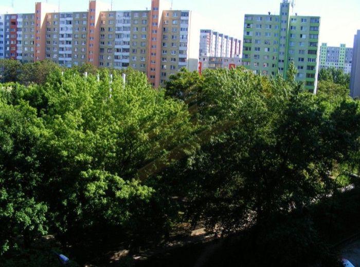 PREDANÉ - GESSAYOVA, 2-izbový byt, 48 m2 - 2 loggie, kúpeľňa s vaňou a BÝVANIE V NOVOM CENTRE PETRŽALKY