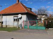 REALITY COMFORT - Na predaj rodinný dom v obci Lehota pod Vtáčnikom