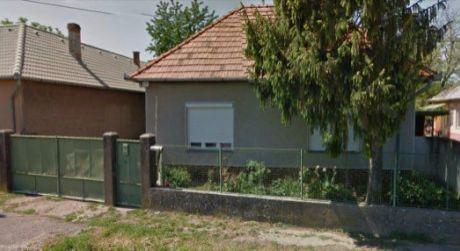 Ponúkame na predaj rodinný dom v obce Pastovce.
