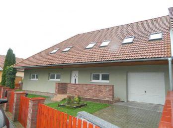 EXKLUZÍVNE!Predáme krásny 5 izb. rodinný dom v Seredi