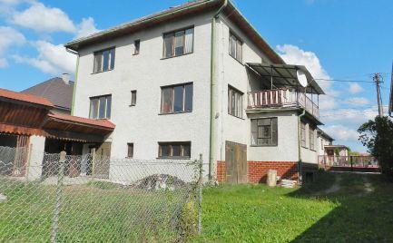 NOVÁ CENA - Rodinný dom (Dva trojizbové byty za cenu jedného), Žiar nad Hronom, Kosorín, pozemok 812 m2