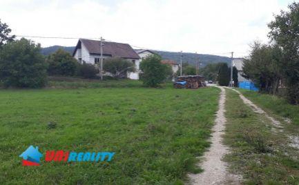 BN okres - obec Slatina nad Bebravou / pekný slnečný pozemok o výmere 1.547 m2