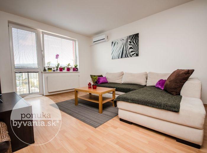 PREDANÉ - SARATOVSKÁ, 2-i byt, 62 m2 - slnečný byt, NOVOSTAVBA, tehla, vlastná kotolňa, VÝHĽAD na les