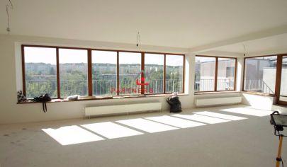 EXKLUZÍVNY moderný 4-izb MEZONET  / 202m2 / obklopený parkom, výťah, terasa / 51m2 / ul. Obrody,  KOŠICE - TERASA